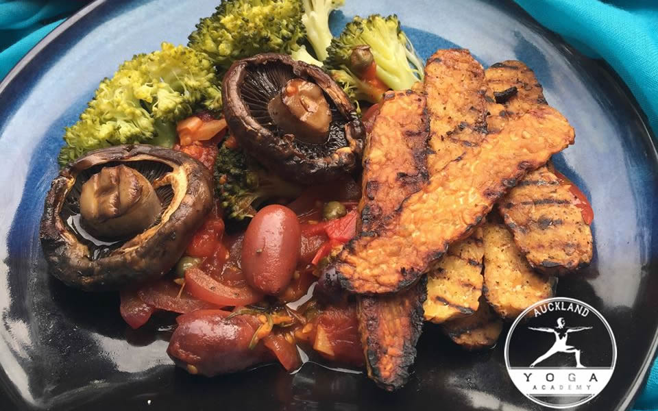 """Grilled Mushrooms and Tempeh with """"Make in a Minute Tomato Sauce"""""""